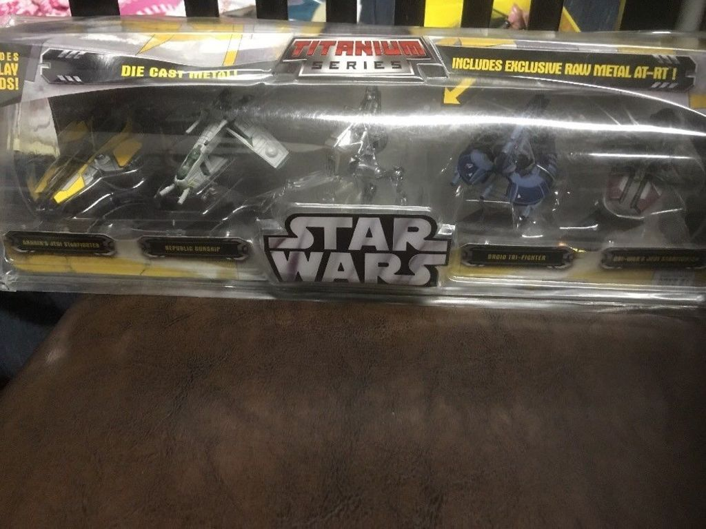 STAR WARS ACTON FIGURES MAY THE FORCE BE WITH YOU