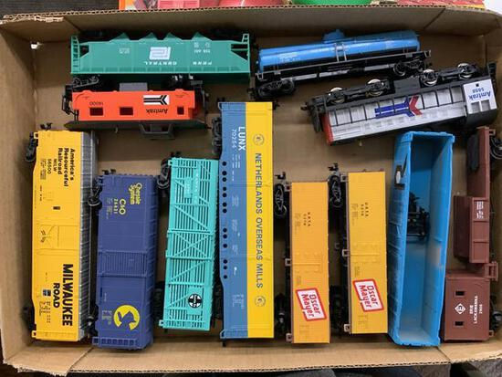 12 pieces HO scale train cars