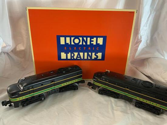 Lionel 18934 Reading 2 Engine Set In original box