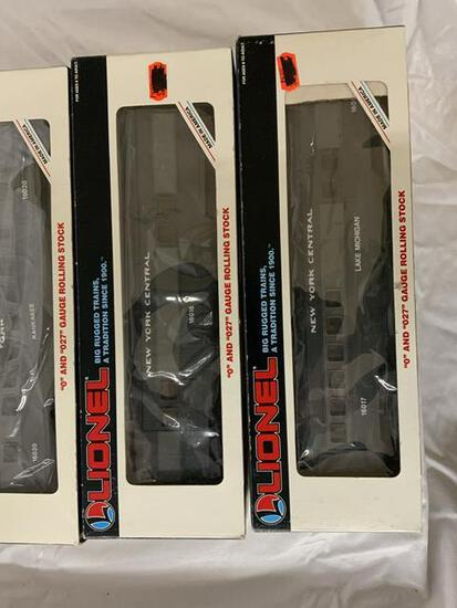 3 lionel  NY central cars in original box 1 as-is