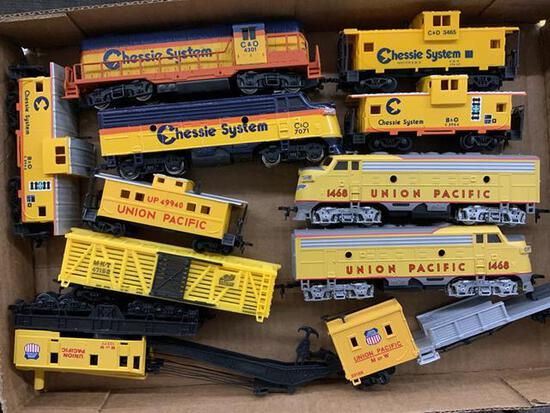 11 pieces HO scale train cars Chessie System & Union