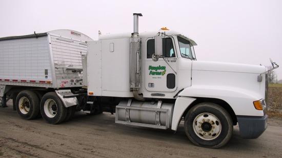 1996 Freightliner FLD120 Semi Truck