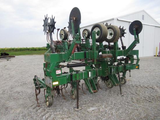 Farmhand F560c 8R 3pt. Cultivator