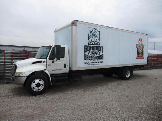 2003 International 4400 Box Truck