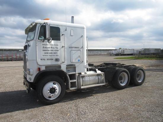 1989 Freightliner Semi Tractor