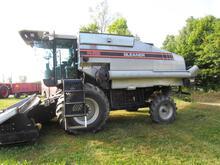 1995 Gleaner R52 Combine - NO RESERVE