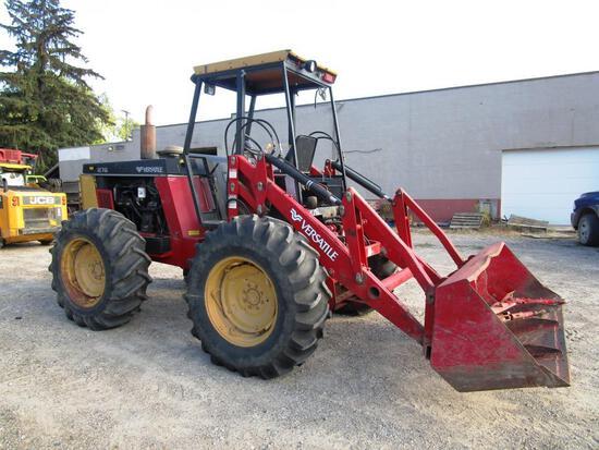 Versatile 276 Bi-Directional Tractor w/ Loader