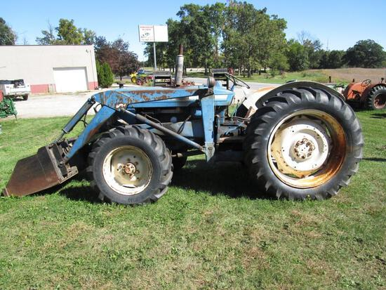 Ford 5000 Gas w/ Loader and RARE 4WD Front Axle - NO RESERVE