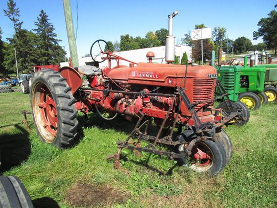1939 Farmall H Tractor w/ Cultivators - NO RESERVE