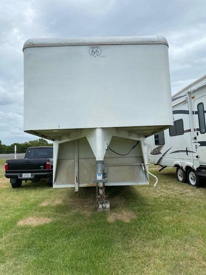 33' gooseneck trailer