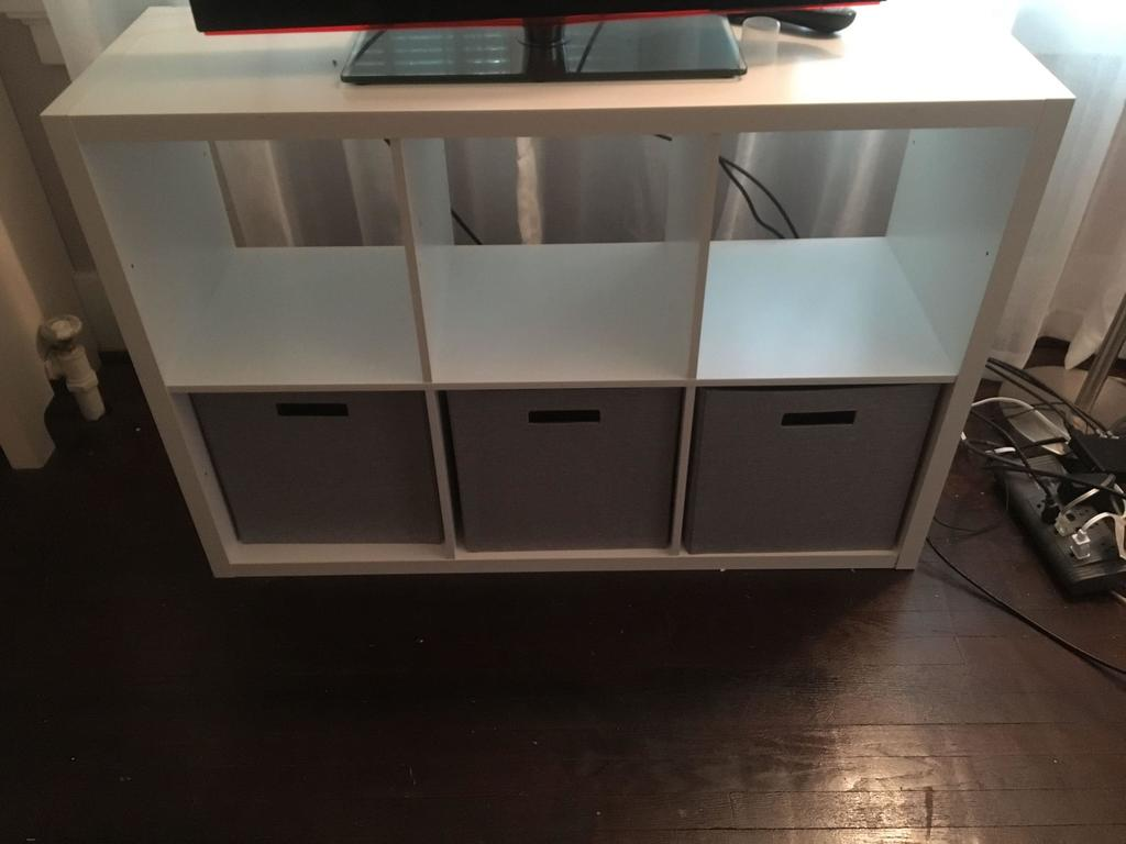 Cubby Hole Style Tv Stand Art