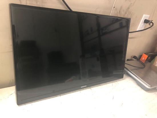 Samsung Flat Screen 27 Inch TV