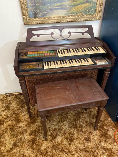 Wurlitzer Funmaker Organ With Headphones