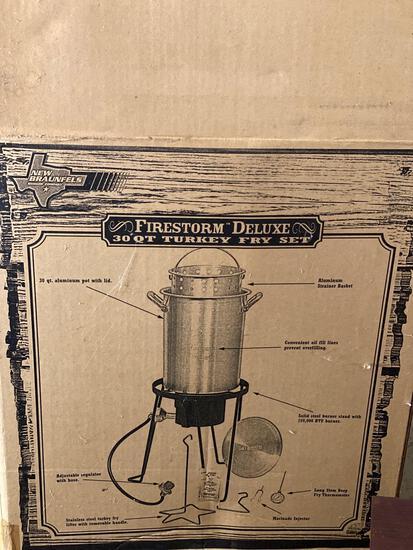 New In Box Firestorm Deluxe Turkey Fryer Set