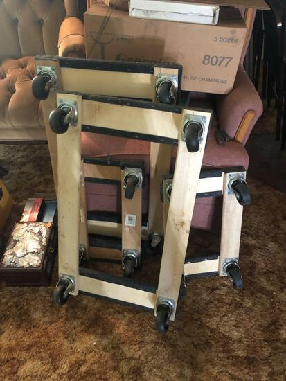 (4) Moving Carts