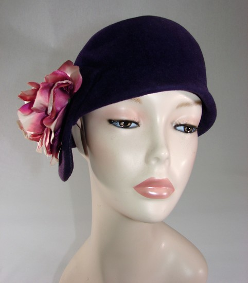 Vintage Ladies 1920s Purple Velvet Cloche With Large Silk Ribbon Flower
