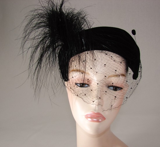 Vintage Ladies 1920s Black Velvet Fascinator Hat With Horse Hair