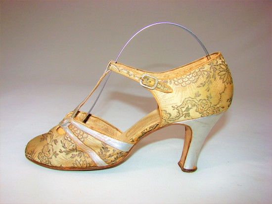 Vintage Ladies 1920s Gold And Silver Silk And Lame Shoes By I. Miller Salon Size 4aa