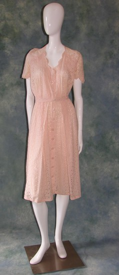 Vintage Ladies 1920s Pink Cotton Eyelet Day Dress
