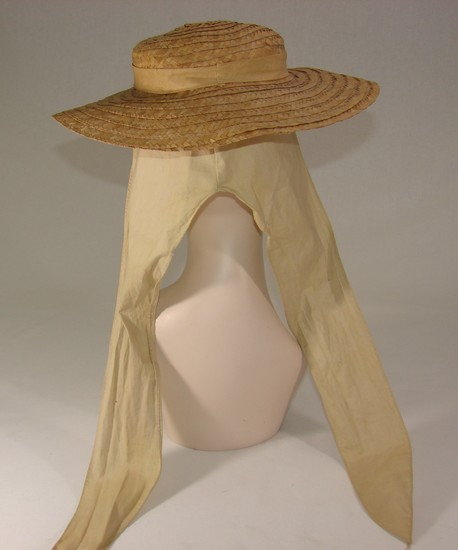 Edwardian Ladies Sporting Hat Or Bonnet In Natural Straw