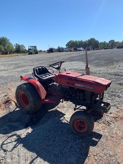 Kubota B7200 Hydrastatic Utility Tractor