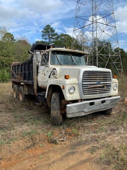 Ford LT8000 T/A Dump Truck