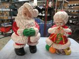 Santa and Mrs Claus Statues 13