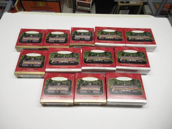 Lot of 12 Keepsake train cars