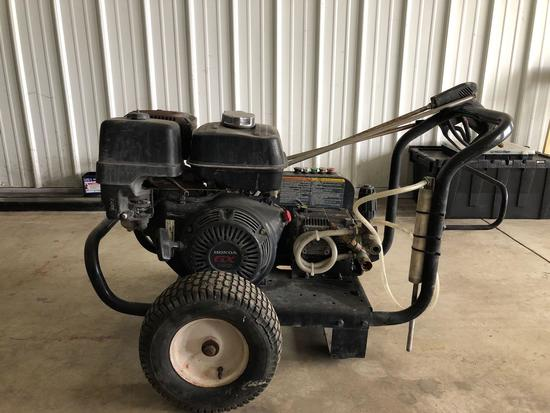 13 HP pressure washer w/Honda Engine