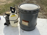 Hand sprayer & metal bucket