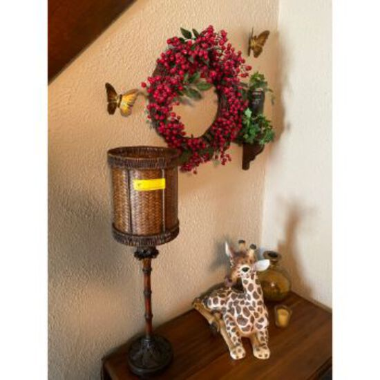Decorations & Table Lamp