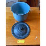 chamber bucket with plastic lid