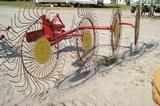 Wheel hay rake