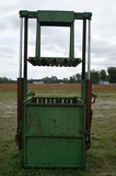 Vertical 3 point hook up baler