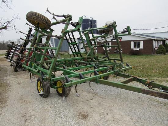 John Deere 960 24' Field Cultivator