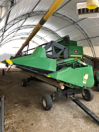 John Deere 920 grain platform (new poly)