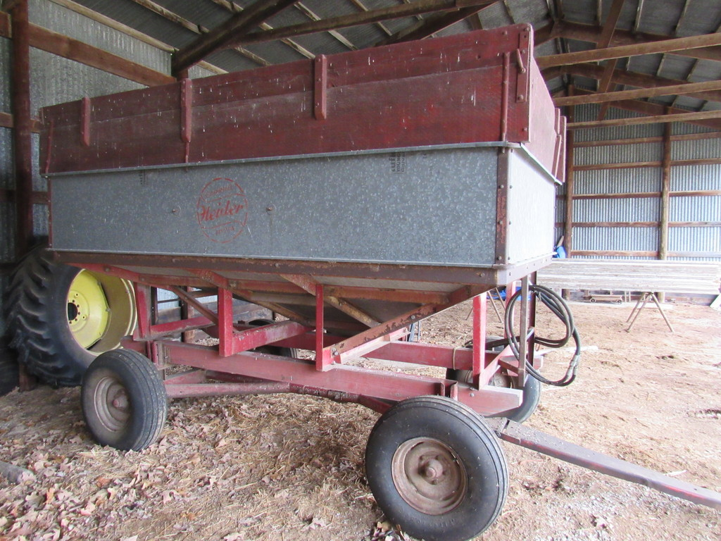 Heider Gravity Wagon With Hydra Auger