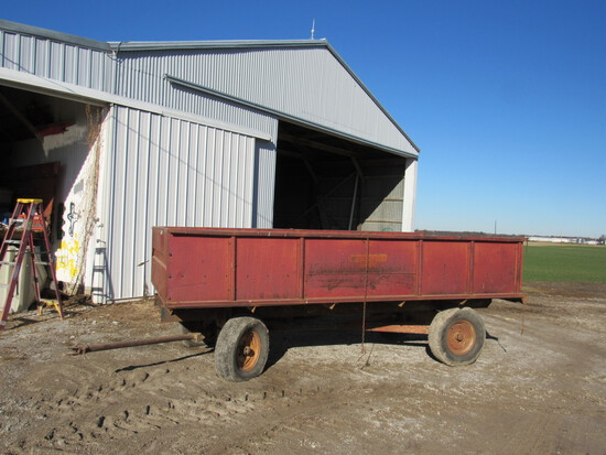 IH drying barge wagons 13'