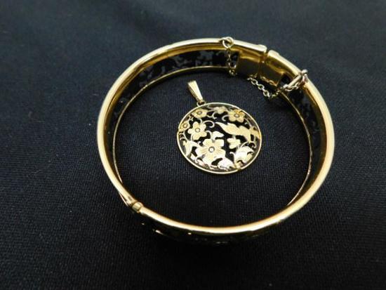 Floral Bracelet and Pendant Set