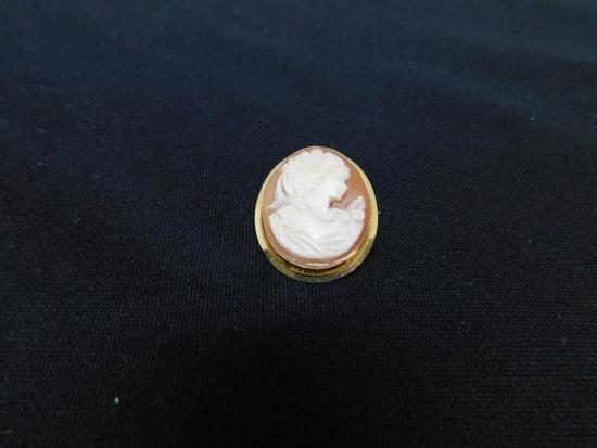 Shell Cameo Pin/ Pendant Set in 18K