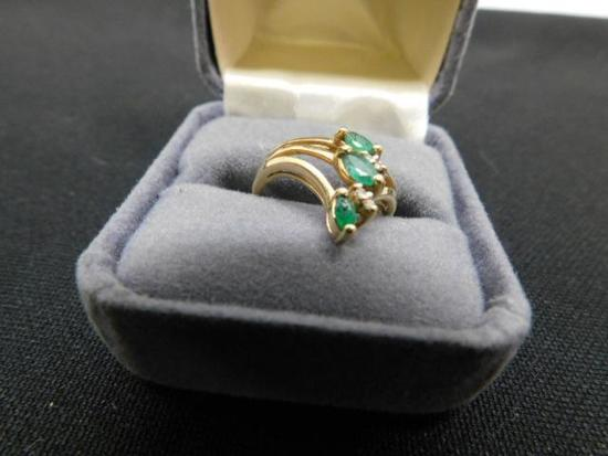 Emerald Ring Set in 10K Yellow Gold