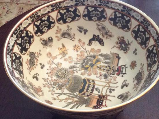 Oriental Bowl with Stand