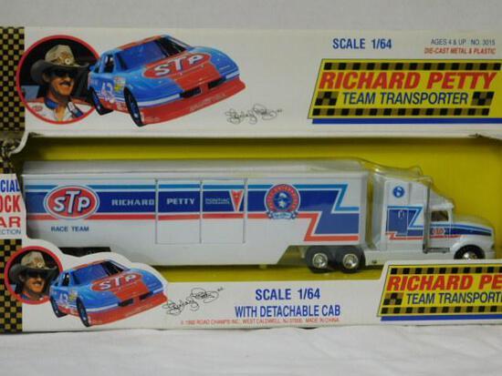 Diecast Richard Petty Transporter Cab