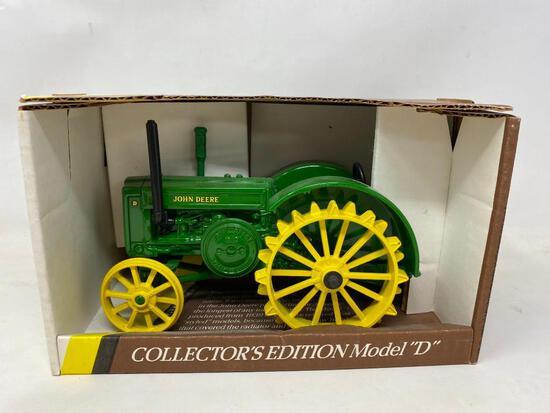NEW in Box Die Cast John Deere Toy Tractor