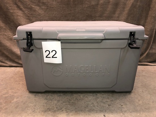 MAGELLAN ICE BOX COOLER