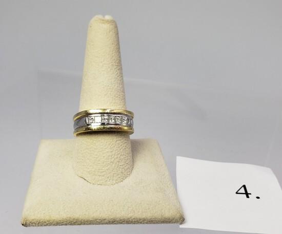 18KT YELLOW GOLD 7 DIAMOND RING