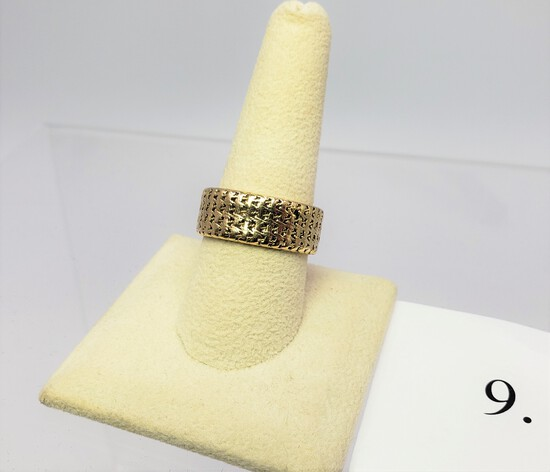 14KT YELLOW GOLD BAND RING 11.34 GRAMS OF GOLD