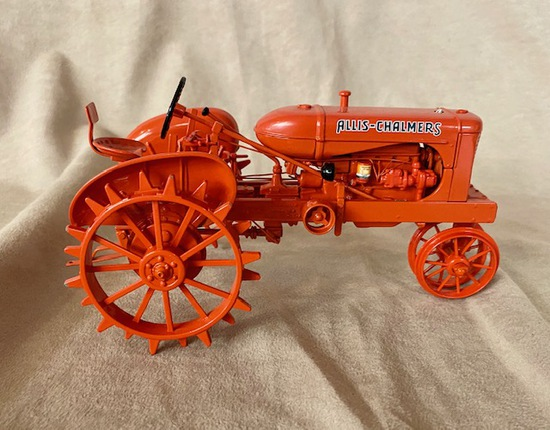 ALLIS CHALMERS TRACTOR