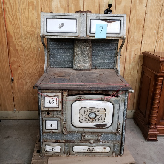 ANTIQUE STOVE WITH PORCELAIN INSERTS