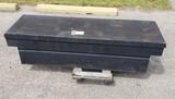BLACK TRUCK TOOLBOX